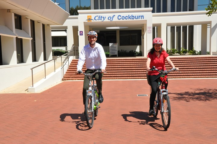 H:\My Documents\New folder\photos\2016 City of Cockburn TravelSmart Wins\Admin Building new ebikes.JPG (1)